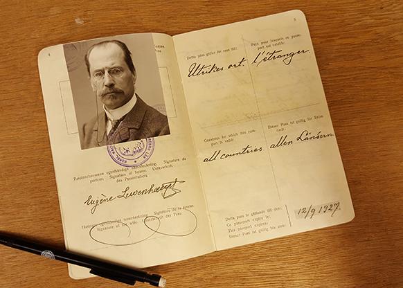 ett uppslaget pass för Eugene Lewenhaupt
