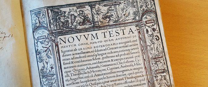 detalj av titelbladet till erasmus översättning av nya testamentet