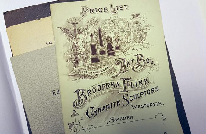 foto på ett häfte med tecknad bild på gravstenar och texten Price lits Bröderna Flick granite sculptors