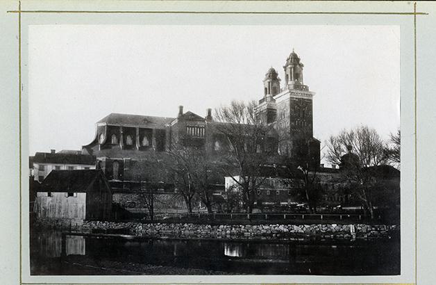 foto på domkyrkan med sina ursprungliga korta torn