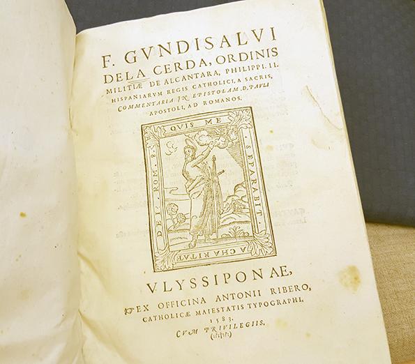 titelsidan till Cerdas bok, med ett träsnitt föreställande en man med gloria och svärd