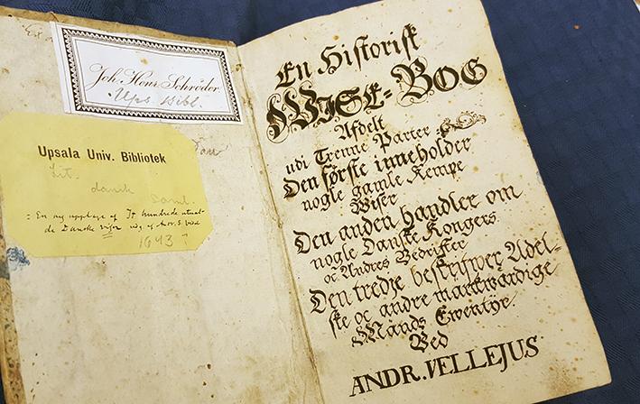 handskrivet titelblad i boken