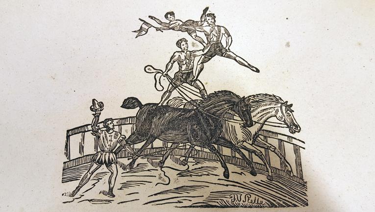 träsnitt med man som balanserar på två andra män, medan han står på två hästryggar