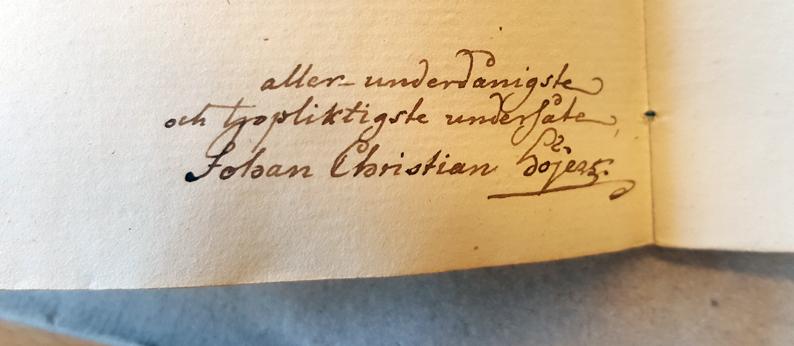 författarens namnteckning