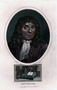 tyckt porträtt med leeuwenhoek med lockig peruk och vit kravatt