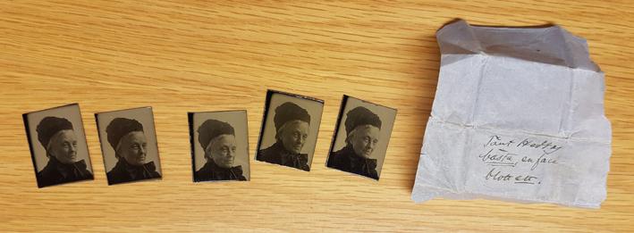 bilder på äldre kvinna i hatt